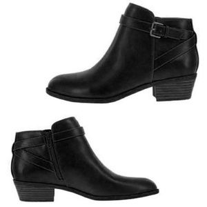 AE by Payless Spencer Ankle Boots in Black